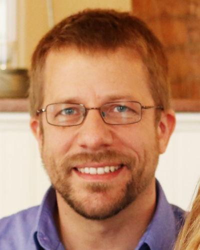 Nik Jakob : Administrative Assistant